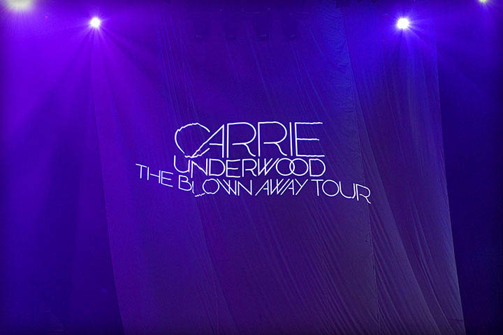 Carrie Underwood Stage In Concert